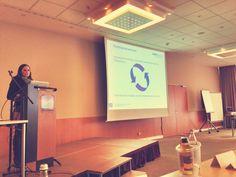 Die Aufstellung eines Redaktionsplans und gute Zusammenarbeit mit dem internen Netzwerk waren Kernpunkte der Social Media Managerin der RWTH Aachen. #SMDAC13 #Aachen