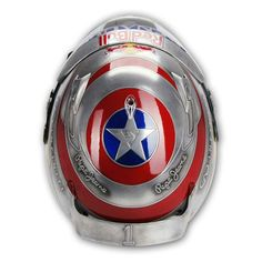 Top view of Vettels  'captain America' helmet