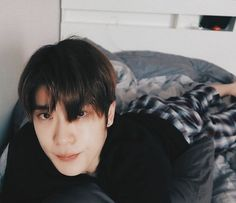 """Jaehyun being the nation's boyfriend,a thread"" Perfect Husband, Asian Love, Bare Face, Mark Nct, Valentines For Boys, Jung Yoon, Jung Jaehyun, Jaehyun Nct, Meme Faces"