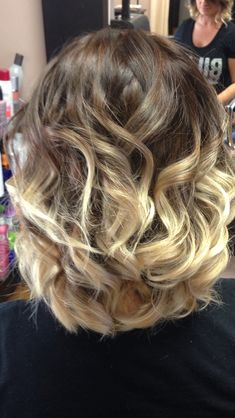 Pictures like this make me want to redo my ombré hair.