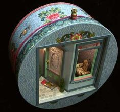 Hatbox scene by Susan O. of Pacificica, CA. miniatures.com:
