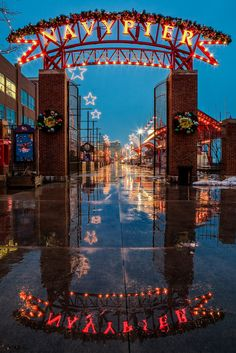 Navy Pier, Chicago, Illinois. I want to go back to Chicago soon.