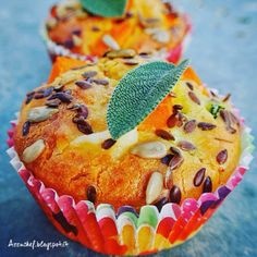 Vegetarian muffins with pumpkin zucchini Pienza cheese and seeds (GLUTENFREE and BUTTERFREE) #azzuchef #vegetarian #muffins #pumpkin #plantpower #cheese #seeds #cibosano #benessere by azzuchef