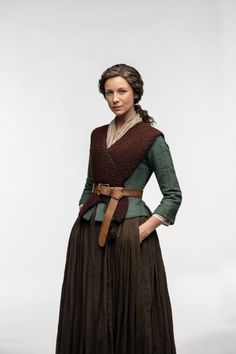 NEW Promo Portraits For Outlander Season 4 Claire Fraser, Outlander Clothing, Outlander Knitting, Outlander Season 4, Outlander Tv, Country Stil, Oversize Pullover, Drums Of Autumn, Period Outfit