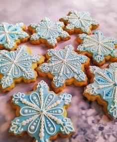 Christmas Cookie Exchange, Christmas Sugar Cookies, Holiday Cookies, Christmas Desserts, Christmas Treats, Christmas Baking, Sugar Cookie Royal Icing, Sugar Cookies Recipe, Cake Decorating For Kids