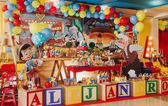 "10.2 mil Me gusta, 547 comentarios - Re Pretti (@loucaporfestas) en Instagram: ""Tem Chiquinha por aqui comemorando mais um mêsversário ! Imagem @sweetdesignrj #loucaporfestas…"" My Son Birthday, Toy Story Birthday, Boy Birthday Parties, Circo Do Mickey, Magic Party, Party Themes For Boys, Baby Shower, Circus Party, Pinocchio"