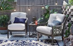 Ideas For Small Patio Plants String Lights Pallet Furniture Easy, Deck Furniture, Outdoor Furniture Sets, Small Outdoor Patios, Small Backyard Patio, Small Covered Patio, Patio Plants, Outdoor Plants, Patio Wall