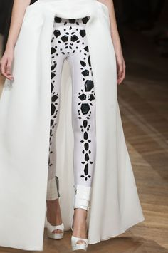 On Aura Tout Vu at Couture Spring 2014 - StyleBistro