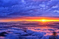 Between sky and earth #japan #hokkaido #tsubetsu