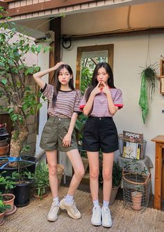Matching Outfits Best Friend, Best Friend Outfits, Couple Outfits, Foto Best Friend, Best Friend Couples, Ulzzang Fashion, Korean Fashion, Teen Fashion Outfits, Girl Fashion