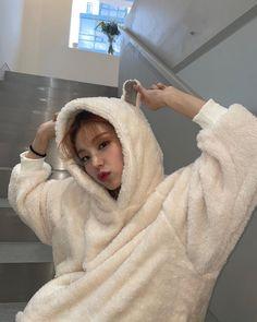 "itzy pics on Twitter: ""instagram update… "" South Korean Girls, Korean Girl Groups, My Girl, Cool Girl, K Idols, Kpop Girls, Girlfriends, Winter Hats, Entertaining"