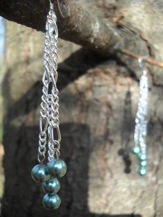 Wow, I made some very similar earrings a few years ago...makes me want to get back into beading...