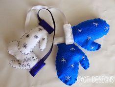 Mini Mittens Sewn Christmas Ornament Sewn Christmas Ornaments, Felt Ornaments, Felt Christmas, Homemade Christmas, Christmas Projects, Simple Christmas, Christmas Ideas, Xmas, Christmas Decorations