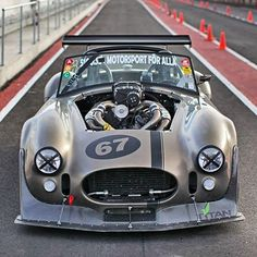 SHELBY WOULD HAVE APPROVED: THE COBRA Big engine, little car. It's an age-old recipe that has been putting big grins on the faces of car guys the world over ever since modifying began. Auto Retro, Retro Cars, Custom Muscle Cars, Custom Cars, Us Cars, Sport Cars, Race Cars, Factory Five, Ac Cobra