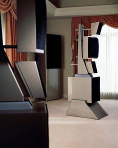 WAMM: Wilson Audio Modular Monitor high end audio audiophile Audiophile Speakers, Stereo Amplifier, Hifi Audio, Audio Speakers, Top Speakers, High End Speakers, High End Audio, Equipment For Sale, Audio Equipment
