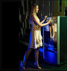 60 Vending Machines of the Future - From Drunken Shoe Vending to Totally Free Products (CLUSTER)