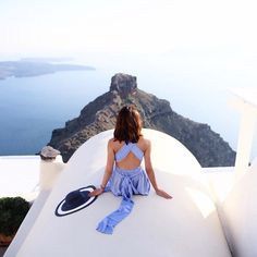 """MELANIE on Instagram: """"A GUIDE TO SANTORINI post now live on my blog (LINK IN BIO) • Where to stay and climbing Skaros Rock! Wearing @sistersthelabel playsuit #Honeymoon #Europe #Santorini #openmyworld"""""""