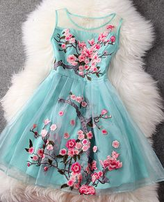 #235 Embroidered Chineses Style Dress – Dresses Up This is so cute! It reminds me of an Arizona Tea bottle