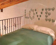 Cabecero love corazones #vinilo #vinilodecorativo #vinilocabecerolovecorazones #devinilos #deviniloscabecerolovecorazones