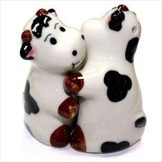 Salt And Pepper Hugging Cows Cruet Set Pots gifts & novelty Kitchen Dinning, Salt And Pepper Set, Pot Sets, Halloween Season, Salt Pepper Shakers, Ceramic Pottery, Ceramics, Cows, Gifts