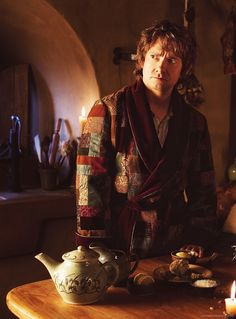 """""""I love Bilbo's dressing gown, and Bilbo...and his face XD"""" - previous pinner. Accurate. XD"""