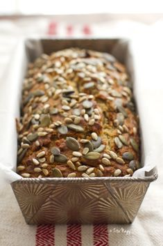 This one doesn't contain sugar, it is sweetened with dates and bananas. It's moist, delicious and also gluten-free.