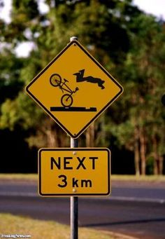 Epic Fail Pics, Funny Failure Pictures and Funny Pictures of Fails. Funny pictures of people failing. Funny pictures of fat people and Funny pictures of epic fails. Funny Street Signs, Funny Road Signs, Fun Signs, Cool Pictures, Funny Pictures, Funny Pics, Funny Quotes, Alesso, Warning Signs