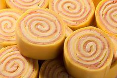 O Rondelli de Presunto e Queijo é uma receita prática e muito saborosa que vai combinar perfeitamente com o seu almoço de domingo ou qualquer outro dia em