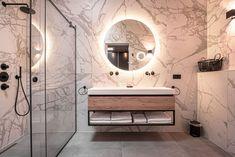 www.lifs.nl #lifs #loft #interior #interiordesign #interieuradvies #ontwerp #badkamer #dubbeledouche Decor, Alcove Bathtub, Alcove, Loft, Round Mirror Bathroom, Interior Design, Home Decor, Mirror, Bathroom