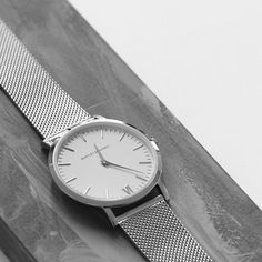 Pictured here, The Deva 40mm 1st edition - 316L polished silver finished with our stainless steel strap. Credit: @tomwantedfashion