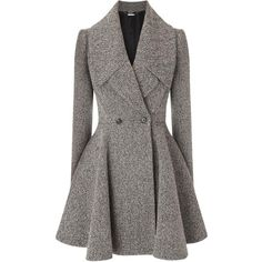 Alexander McQueen Grey Herringbone Wool Blend Coat (€445) ❤ liked on Polyvore featuring outerwear, coats, jackets, coats & jackets, alexander mcqueen, herringbone coat, gray coat, flare coat and wool blend coat