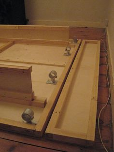 Day 3: Close-up of the bed base and hinge   The I-beams and …   Flickr