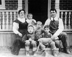 Love this 1912 family photo because there's so much life in it! Instead of their dog, the boy has their lamb in his lap. Old Photos, Vintage Photos, Family Photos, Couple Photos, We Are Family, World History, Looking Back, Florence, Lamb