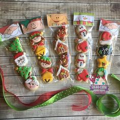 Wonderful Christmas Craft for Gift Ideas How to Make Last Minute Christmas Crafts and Gifts Wonderful Christmas Craft for Gift Ideas. There are two days left until Christmas, can you believe it? Christmas Sugar Cookies, Christmas Cupcakes, Christmas Sweets, Christmas Minis, Holiday Cookies, Christmas Baking, Christmas Crafts, Mini Cookies, Iced Cookies