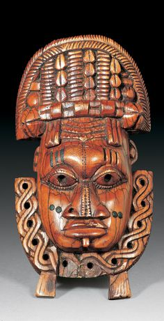 Africa | Hip ornament mask from the Benin Kingdom of Nigeria | Elephant ivory | Est. 8,000 - 10,000CHF