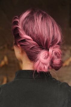 Step up your bun game with pink hair chalk!