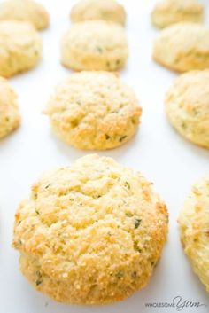 Low Carb Biscuits with Garlic & Parmesan (Gluten-free) - These buttery low carb biscuits with garlic and parmesan are perfect for holiday meals, weeknight dinners, and snacks. Gluten-free and super easy!