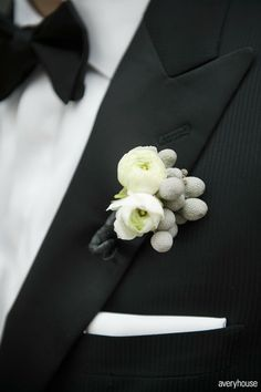 bow tie and boutonniere Avery House Photography