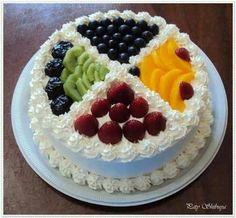 Sectioned Multiple Fruit Cake Cake Decorating Techniques, Cake Decorating Tips, Food Cakes, Cupcake Cakes, Fruit Cakes, Fresh Fruit Cake, Birthday Sheet Cakes, Pastry Design, Refreshing Desserts