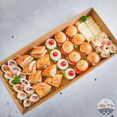 English Tea Sandwiches, High Tea Sandwiches, Appetizer Sandwiches, Party Sandwiches, Sandwich Platter, Sandwich Box, Diy Party Food, Party Food And Drinks, Afternoon Tea Party Food