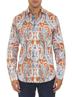 Just for thrills we've had some SKULLduggery with a traditional oversized paisley print and featured a skull motif throughout. Crafted from premium fabric and with all the extra RG details you expect, including some skull embroidery, the result is totally tough luxe.