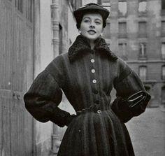 1951 Pierre Balmain