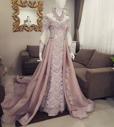 53 Ideas For Indian Bridal Wear Rose Gold Kebaya Wedding, Muslimah Wedding Dress, Muslim Wedding Dresses, Wedding Gowns, Dress Brokat, Kebaya Dress, Modest Prom Gowns, Prom Dresses, Dress Prom