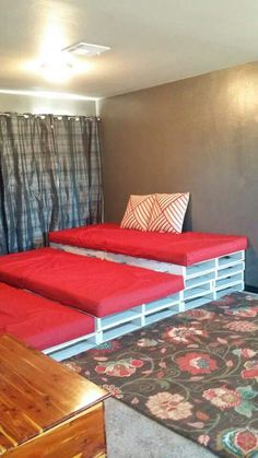 10b28d6c32c43e0bc98ecdd4d28ab29a--theater-seating-pallet-furniture Pallet Home Theatre Furniture on pallet tv, pallet ideas, pallet wine rack directions, pallet bar, pallet room, pallet headboard, pallet accessories, pallet couch, pallet pool, pallet cooler, pallet theater chair, pallet entertainment, pallet toys,