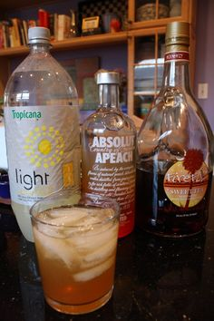 Only 3 ingredients. Easy to make, delicious and perfect for summer parties. Spiked Peach Tea - the Cocktail of the Summer