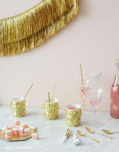 Snake Party, Fiestas Party, Tinsel Garland, Gatsby Party, Party Cups, Gold Ribbons, Gold Party, New Years Eve Party, New Year's Eve Party Themes