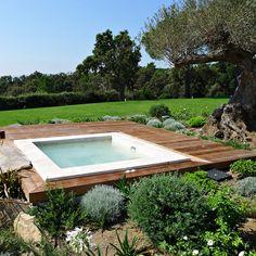 Mini-piscines : 20 modèles maxi-plaisir pour petits jardins et petits budgets : Spa Mosaïque Piazza - Clair Azur - Déco - Plurielles.fr