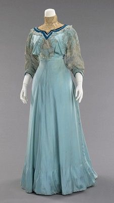 From the high lace collar to the cheerful blue tones, this lovely Edwardian dress is a delightful to behold. (House of Paquin, French Afternoon Dress, 1906–8.)