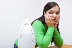 ***Trucos para Planchar Menos*** ¡Basta de pasar calor y ponerte de mal humor! Aprende estos simples trucos para planchar menos, y lucir aún tus prendas en impecables condiciones.......SIGUE LEYENDO EN....... http://comohacerpara.com/trucos-para-planchar-menos_12427h.html
