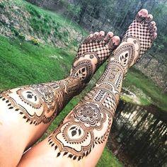 best leg mehndi design